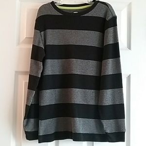 EUC Boys Old Navy thermal top size 10/12